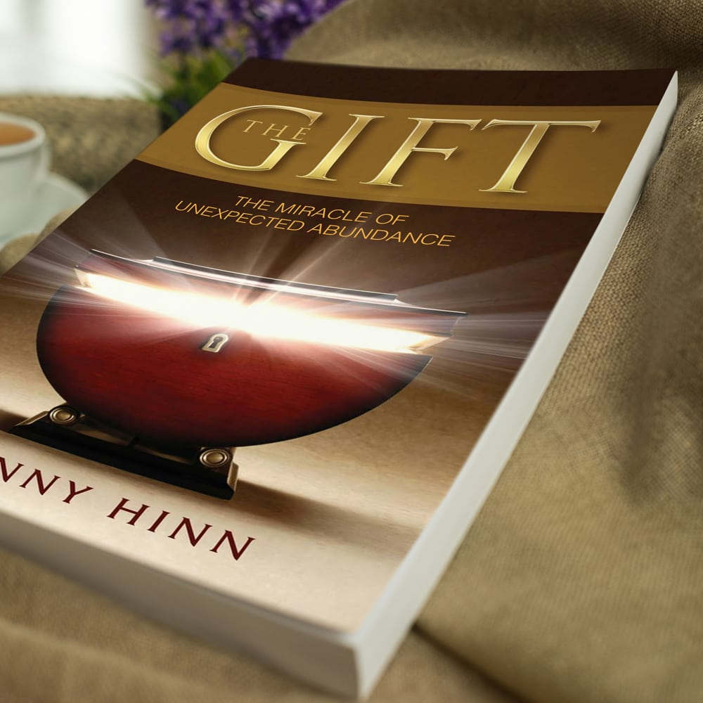 The Gift - Benny Hinn - Softcover Lifestyle